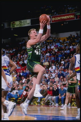 1990-1991:  Center Jack Sikma of the Milwaukee Bucks goes up for two during a game against the Denver Nuggets at McNichols Arena in Denver, Colorado. Mandatory Credit: Tim de Frisco  /Allsport