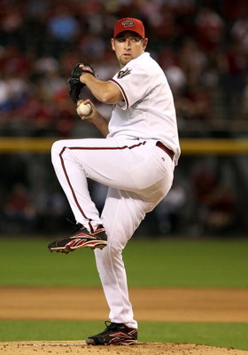 PHOENIX - APRIL 06:  Starting pitcher Brandon Webb #17 of the Arizona Diamondbacks pitches against the Colorado Rockies during the MLB openning day game at Chase Field on April 6, 2009 in Phoenix, Arizona.  The Diamondbacks defeated the Rockies 9-8. (Phot