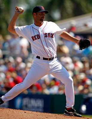 FORT MYERS, FL - MARCH 02:  Pitcher Tim Wakefield #48 of the Boston Red Sox makes a pitch against the Minnesota Twins during the game on March 2, 2008 at City of Palms Park in Ft. Myers, Florida.  (Photo by J. Meric/Getty Images)
