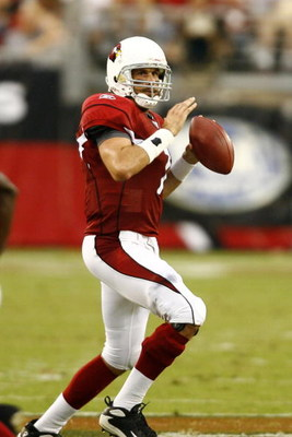 GLENDALE, AZ - SEPTEMBER 16:  Quarterback Matt Leinart #7 of the Arizona Cardinals sets up to pass against the Seattle Seahawks at University of Phoenix Stadium on September 16, 2007 in Glendale, Arizona.  The Cardinals defeated the Seahawks 23-20. (Photo