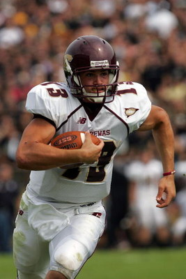 WEST LAFAYETTE, IN - SEPTEMBER 20:  Quarterback Dan LeFevour #13 of the Central Michigan Chippewas runs the ball against the Purdue Boilermakers at Ross-Ade Stadium on September 20, 2008 in West Lafayette, Indiana.  (Photo by Ronald Martinez/Getty Images)