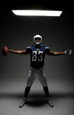 SAN DIEGO, CA - APRIL 3:  Wide Receiver Vincent Jackson of the San Diego Chargers poses during a portrait session on April 3, 2008 at Ray Street Studios in San Diego, California. (Photo by Donald Miralle/Getty Images)