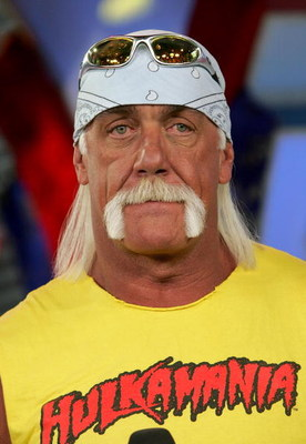 NEW YORK - MARCH 15:  (U.S. TABS OUT) Wrestler Hulk Hogan appears on MTV's Total Request Live at MTV's Time Square Studios March 15, 2006 in New York City.  (Photo by Paul Hawthorne/Getty Images)