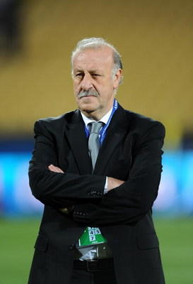 RUSTENBURG, SOUTH AFRICA - JUNE 28:  Coach Vicente del Bosque of Spain looks on at the end of the FIFA Confederations Cup 3rd Place Playoff match between Spain and South Africa at the Royal Bafokeng Stadium on June 28, 2009 in Rustenburg, South Africa. Sp