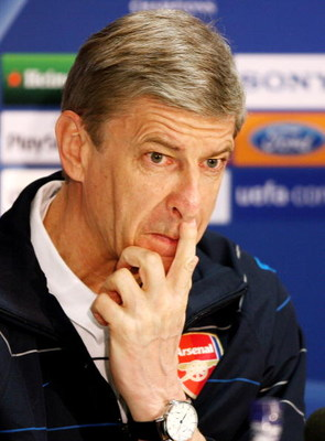 MANCHESTER, UNITED KINGDOM - APRIL 28:  Arsenal manager Arsene Wenger speaks to the media during a press conference ahead of the UEFA Champions League semi-final first leg match against Manchester United at Old Trafford on April 28, 2009 in Manchester, En