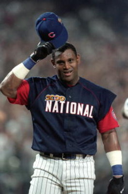 10 Jul 2000: Sammy Sosa of the Chicago Cubs and the National League Team waves to the crowd as he walks on the field during the Home Run Derby before the All-Star Baseball Game against the American League Team at Turner Field in Atlanta, Georgia.  The Ame