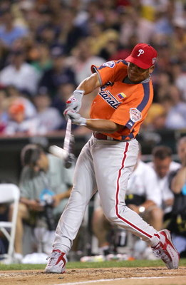 DETROIT - JULY 11:  National League All-Star Bobby Abreu of the Philadelphia Phillies swings at a pitch during final round of the 2005 Major League Baseball Home Run Derby on July 11, 2005 at Comerica Park in Detroit, Michigan.  (Photo by Elsa/Getty Image
