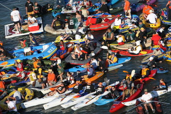 SAN FRANCISCO - JULY 09:  Fans fill McCovey Cove as the American League and National League All-Stars compete in the 78th Major League Baseball All-Star Home Run Derby at AT&amp;T Park on July 9, 2007 in San Francisco, California.  (Photo by Jed Jacobsohn/Get