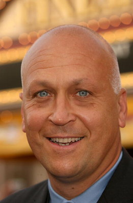 ANAHEIM, CA - JUNE 24:  Baseball player Cal Ripken arrives at the world premiere of 'Pirates of the Caribbean 2: Dead Man's Chest' held at Disneyland on June 24, 2006 in Anaheim, California.  (Photo by Frederick M. Brown/Getty Images)