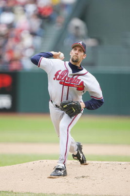 SAN FRANCISCO - APRIL 9:  John Smoltz #29 of the Atlanta Braves pitches against the San Francisco Giants at AT&T Park on April 9, 2006 in San Francisco, California. The Giants defeated the Braves 6-5.  (Photo by Jed Jacobsohn/Getty Images)