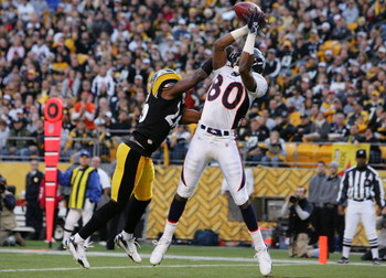 PITTSBURGH - NOVEMBER 05:  Rod Smith #80 of the Denver Broncos catches a touchdown pass in the first quarter against Deshea Townsend #26 of the Pittsburgh Steelers during thier game on November 5, 2006 at Heinz Field in Pittsburgh, Pennsylvania.  (Photo b