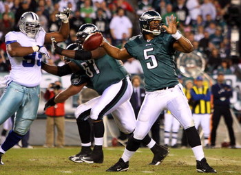 PHILADELPHIA - DECEMBER 28:  Donovan McNabb #5 of the Philadelphia Eagles throws a pass against the Dallas Cowboys on December 28, 2008 at Lincoln Financial Field in Philadelphia, Pennsylvania.  (Photo by Jim McIsaac/Getty Images)