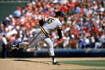1988:  Jim Gott #35 of the Pittsburgh Pirates delivers a pitch during a 1988 MLB season game.  (Photo by Rick Stewart/Getty Images)