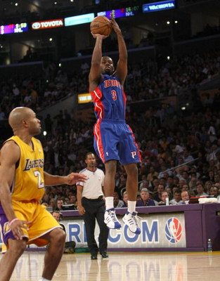 LOS ANGELES, CA - NOVEMBER 14:  Rodney Stuckey #3 of the Detroit Pistons shoots over Derek Fisher #2 of of the Los Angeles Lakers on November 14, 2008 at Staples Center in Los Angeles, California. The Pistons won 106-95.   NOTE TO USER: User expressly ack