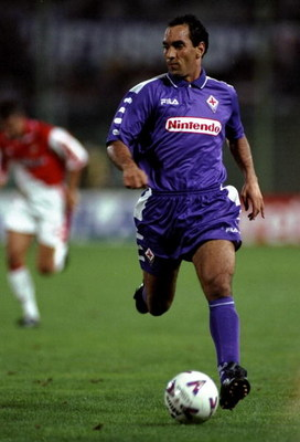 Sep 1998  Edmundo of Fiorentina in action during a Pre-Season match against Lazio played at the Stadio Communale in Florence, Italy. \ Mandatory Credit: Allsport UK /Allsport