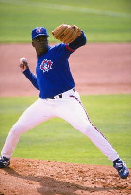 27 Feb 1998:  Pitcher Juan Guzman of the Toranto Blue Jays delivers a pitch during a spring traing match against the Philadelphia Phillies at Grant Field in Dunedin,  Florida. Mandatory Credit: Craig Melvin  /Allsport