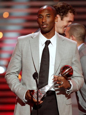 LOS ANGELES, CA - JULY 15:  NBA player Kobe Bryant accepts the Best Team award on behalf of the Los Angeles Lakers during the 2009 ESPY Awards held at Nokia Theatre LA Live on July 15, 2009 in Los Angeles, California. The 17th annual ESPYs will air on Sun