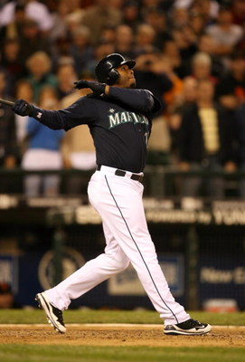 SEATTLE - MAY 22:  Ken Griffey Jr. of the Seattle Mariners bats during the game against the San Francisco Giants on May 22, 2009 in Seattle, Washington. The Mariners defeated the Giants 2-1 in twelve innings. (Photo by Otto Greule Jr/Getty Images)