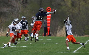 LAKE FOREST, IL - MAY 01: Juaquin Iglesias #17 of the Chicago Bears leaps to catch a pass during a rookie mini-camp practice on May 1, 2009 at Halas Hall in Lake Forest, Illinois. (Photo by Jonathan Daniel/Getty Images)