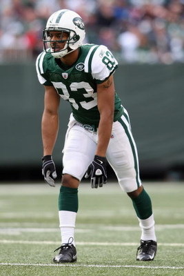 EAST RUTHERFORD, NJ - NOVEMBER 09: Chansi Stuckey #83 of the New York Jets at the line of scrimmage against the St. Louis Rams at Giants Stadium on November 9, 2008 in East Rutherford, New Jersey. (Photo by Nick Laham/Getty Images)