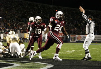 MEMPHIS, TN - DECEMBER 29:  Anthony Dixon #24 of the Mississippi State Bulldogs celebrates his touchdown against the UCF Knights during the 49th Annual Autozone Liberty Bowl at Liberty Bowl Memorial Stadium December 29, 2007 in Memphis, Tennessee. The Bul