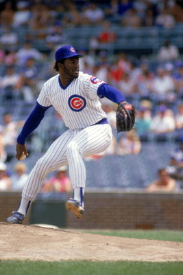 CHICAGO- JUNE:  Lee Smith #46 of the Chicago Cubs winds back to pitch during a June, 1987 season game at Wrigley Field in Chicago, Illinois. (Photo by: Jonathan Daniel/Getty Images)
