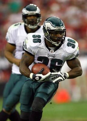 GLENDALE, AZ - JANUARY 18:  Running back Brian Westbrook #36 of the Philadelphia Eagles runs the football in the third quarter against the Arizona Cardinals during the NFC championship game on January 18, 2009 at University of Phoenix Stadium in Glendale,