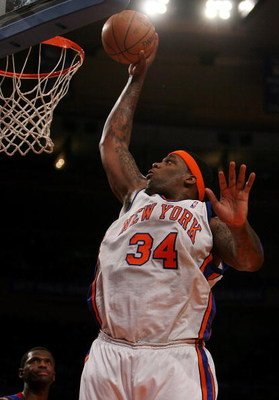 NEW YORK - JANUARY 13:  Eddie Curry #34 of the New York Knicks slam dunks against the Detroit Pistons at Madison Square Garden January 13, 2008 in New York City. NOTE TO USER: User expressly acknowledges and agrees that, by downloading and/or using this P