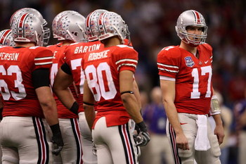 NEW ORLEANS - JANUARY 07:  Quarterback Todd Boeckman #17 of the Ohio State Buckeyes stands outside the huddle against the Louisiana State University Tigers during the AllState BCS National Championship on January 7, 2008 at the Louisiana Superdome in New