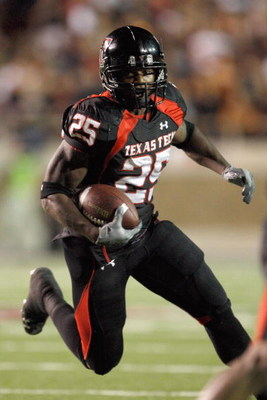 LUBBOCK, TEXAS - NOVEMBER 1:  Baron Batch #25 of the Texas Tech Red Raiders carries the ball during the game against the Texas Longhorns on November 1, 2008 at Jones Stadium in Lubbock, Texas. (Photo by: Jamie Squire/Getty Images)