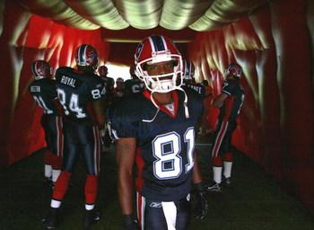 ORCHARD PARK, NY - OCTOBER 1:  Peerless Price #81 of the Buffalo Bills waits to be introduced prior to playing the Minnesota Vikings on October 1, 2006 at Ralph Wilson Stadium in Orchard Park, New York.  (Photo by Rick Stewart/Getty Images)