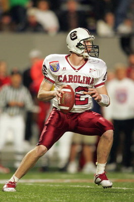 MEMPHIS, TN - DECEMBER 29: Blake Mitchell #12 of the South Carolina Gamecocks looks to throw a pass against the Houston Cougars during the AutoZone Liberty Bowl at the Liberty Bowl Memorial Stadium on December 29, 2006 in Memphis, Tennessee. (Photo by And