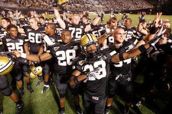 NASHVILLE, TN - SEPTEMBER 15:  Members of the Vanderbilt Commodores celebrate after defeating the Ole Miss Rebels 31-17 on September 15, 2007 at Vanderbilt Stadium in Nashville, Tennessee.  (Photo by Chris Graythen/Getty Images)