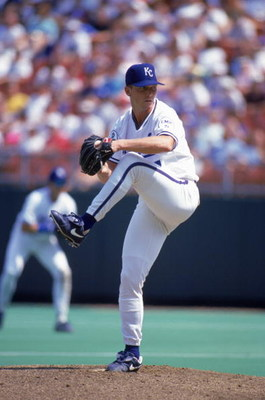 KANSAS CITY - AUGUST 29:  David Cone #17 of the Kansas City Royals winds up for a pitch during a game at Kauffman Stadium on August 29, 1993 in Kansas City, Missouri.  (Photo by Getty Images)