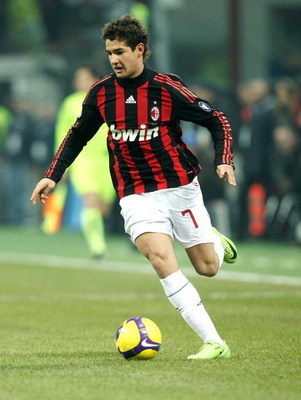MILAN, ITALY - FEBRUARY 15: Forward Pato of AC Milan in action during FC Inter Milan v AC Milan - Serie A match on February 15, 2009 in Milan, Italy.  (Photo by Vittorio Zunino Celotto/Getty Images)