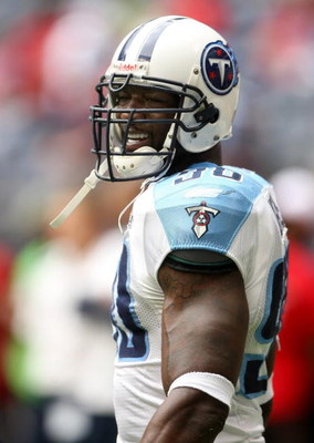 HOUSTON - DECEMBER 14:  Defensive end Jevon Kearse #90 of the Tennessee Titans on the field during the game with the Houston Texans on December 14, 2008 at Reliant Stadium in Houston, Texas.  The Texans won 13-12.  (Photo by Stephen Dunn/Getty Images)