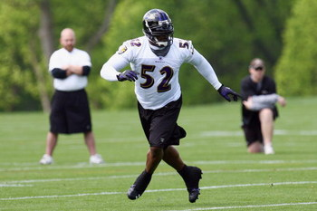 OWINGS MILLS, MARYLAND - MAY 8: Ray Lewis #52 of the Baltimore Ravens runs during minicamp at the practice facility on May 8, 2009 in Owings Mills, Maryland. (Photo by Ned Dishman/Getty Images)