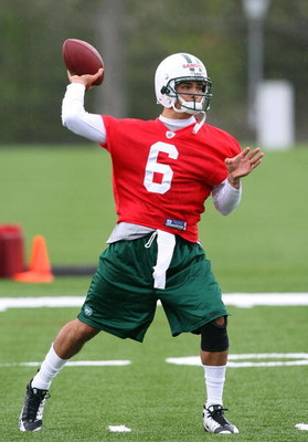 FLORHAM PARK, NJ - MAY 02:  Quarterback Mark Sanchez #6 of the New York Jets throws a pass during minicamp on May 2, 2009 at the Atlantic Health Jets Training Center in Florham Park, New Jersey.  (Photo by Jim McIsaac/Getty Images)