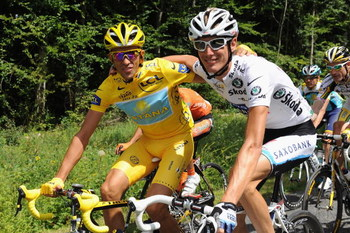 PARIS - JULY 26:  Yellow Jersey holder Alberto Contador of Spain and Astana (L) rides with White Jersey holder Andy Schleck of Luxembourg and Saxo Bank during Stage Twenty One of the Tour de France on July 26, 2009 in Paris, France.  (Photo by Jasper Juin