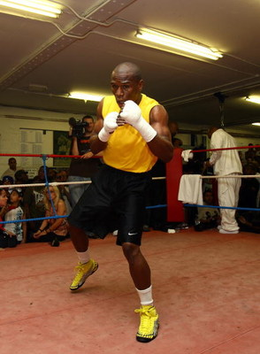 LONDON, ENGLAND - MAY 22:  Boxing superstar Floyd Mayweather in his first open workout since coming out of retirement, as he prepares for his fight against Juan Manuel Marquez of Mexico, at Peacock Gym on May 22, 2009 in London, England.  The fight's due