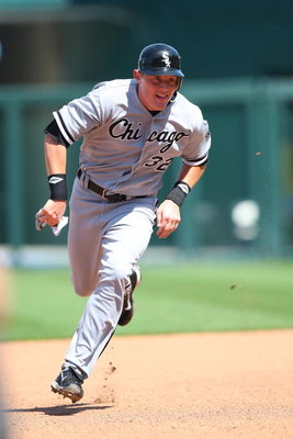 KANSAS CITY, MO - AUGUST 03:  Brian Anderson #32 of the Chicago White Sox heads to third base on his way to scoring a run against the Kansas City Royals on August 3, 2008 at Kauffman Stadium in Kansas City, Missouri. (Photo by G. Newman Lowrance/Getty Ima