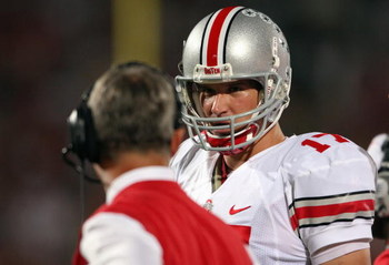 WEST LAFAYETTE, IN - OCTOBER 6: Todd Boeckman #17 of the Ohio State Buckeyes talks to head coach Jim Tressel against the Purdue Boilermakers during the game at Ross-Ade Stadium October 6, 2007 in West Lafayette, Indiana. (Photo by Andy Lyons/Getty Images)