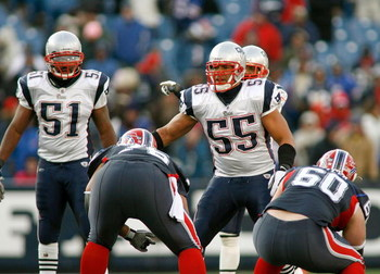 ORCHARD PARK, NY - DECEMBER 28: Jerod Mayo #51 and Junior Seau #55 of the New England Patriots ready the defense against the Buffalo Bills at Ralph Wilson Stadium December 28, 2008 in Orchard Park, New York. The Patriots won 13-0.  (Photo by Rick Stewart/