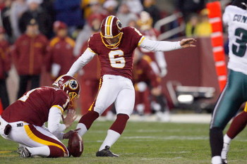 LANDOVER, MD - DECEMBER 21:  Shaun Suisham #6 of the Washington Redskins kicks a field goal during the game of the Philadelphia Eagles on December 21, 2008 at FedEx Field in Landover, Maryland.  (Photo by Kevin C. Cox/Getty Images)