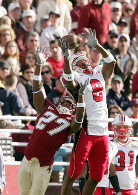 CHESTNUT HILL, MA - NOVEMBER 18: DeJuan Tribble #27 of the Boston College Eagles breaks up a pass intended for Darrius Heyward-Bey #8 of the Maryland Terrapins on November 18, 2006 at Alumni Stadium in Chestnut Hill, Massachusetts. (Photo by Elsa/Getty Im