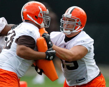 BEREA, OH - MAY 02: Alex Mack #55 of the Cleveland Browns blocks during rookie mini camp at the Cleveland Browns Training and Administrative Complex on May 2, 2009 in Berea, Ohio.  (Photo by Gregory Shamus/Getty Images)