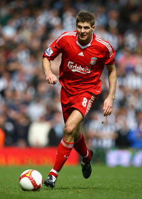 LIVERPOOL, UNITED KINGDOM - MAY 03:   Steven Gerrard of Liverpool in action during the Barclays Premier League match between Liverpool and Newcastle United at Anfield on May 3, 2009 in Liverpool, England. (Photo by Alex Livesey/Getty Images)
