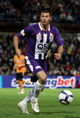 PERTH, AUSTRALIA - JULY 10:  Mile Sterjovski of the Glory runs onto the ball during the friendly match between Perth Glory and Wolverhampton Wanderers at Members Equity Stadium on July 10, 2009 in Perth, Australia.  (Photo by Paul Kane/Getty Images)