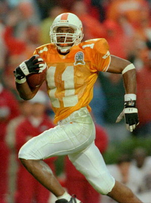 26 Oct 1996:  Joey Kent #11 of Tennessee runs with the ball for a 54 yard touchdown pass reception during the third quarter of their 20-13 victory over Alabama at Neyland Stadium in Knoxville, Tennessee.   Mandatory Credit: Andy Lyons/Allsport