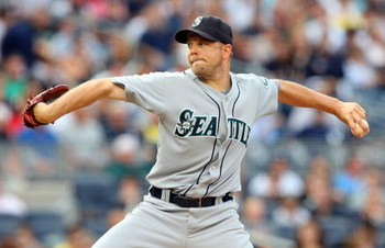 NEW YORK - JULY 01:  Jarrod Washburn #56 of the Seattle Mariners pitches against the New York Yankees on July 1, 2009 at Yankee Stadium in the Bronx borough of New York City.  (Photo by Jim McIsaac/Getty Images)
